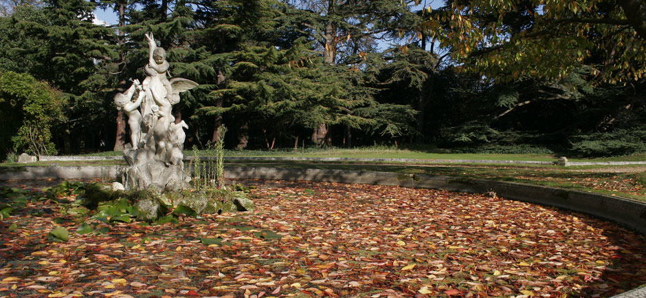 University of Roehampton Grove House Fountain